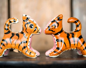 Vintage Tiger Salt and Pepper Shakers - Mid Century Kitchen Decor - Retro Salt and Pepper Shakers - Ceramic Tiger Salt and Pepper Figurines