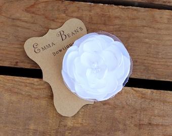 "Wedding Hair Clip/ White Flower Hair Clip/ Flower with Pearls /Bridal Party/ Bridal Hair Flower/ Wedding Photo Prop/ 3"" Hair flower"