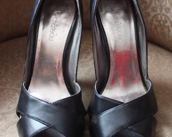 """Shoe fashion brand """"le Château"""""""