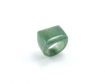 Size 8.75 Quartz Ring