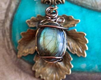 Nymph Aina Labradorite - pattern Art pendant
