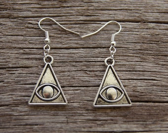 All Seeing Eye Earrings / Silver Illuminati Earrings / Triangle Eye Earrings / Eye of Providence