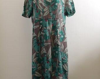 Vintage old new stock woven green /brown safari floral print short sleeves midi dress