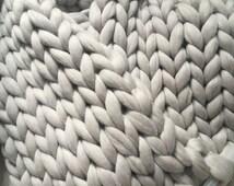 Super chunky knit blanket, Wool throw, Hand knit blanket, Warm blanket, Extra soft 18 microns premium Merino wool, SUMMER SALE