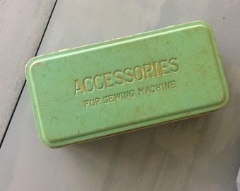 Vintage Accessories Sewing Tin