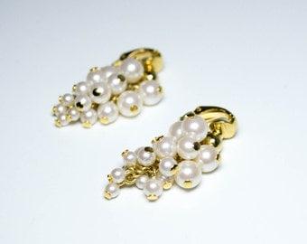 Vintage Pearl Cluster Dangle Earrings - Clip On Earrings - Vintage Earrings - Bridal Earrings - Vintage Bride - Vintage Jewelry - Faux Pearl