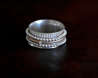 Short Spinner Ring