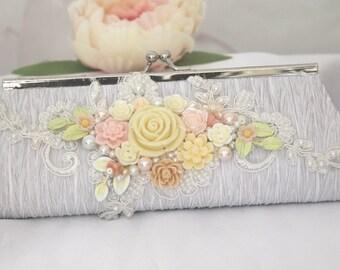Ivory White bridal Clutch purse, Floral Bridal Clutch, Bridal gifts, bridesmaids gifts, Ivory Floral bridal clutch, Garden wedding gift