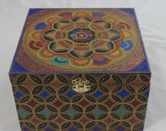 Handpainted Jewellery Box with Mandala Design. Elegant decor element, storage box, jewellery & keepsake box. Handpainted and decorated.