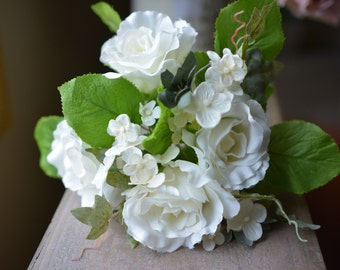 Playful Posy Bunch in white -ITEM055