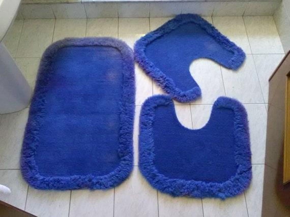Vintage tris tappeti blu per il bagno tappetini per di vintafai - Tappetini per il bagno ...