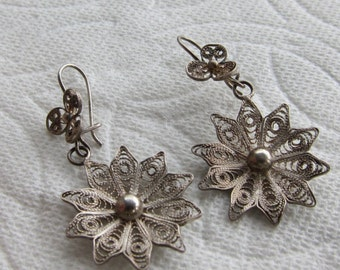 Vintage Dangle Earrings Sterling Silver Filagree Flowers Flora Finely Crafted