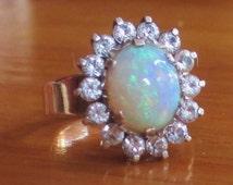 Stunning vintage large solid crystal Opal cluster gold retro ring