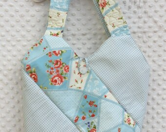 Shoulder bag floral pattern