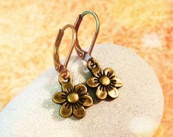 Vintage Flower Earrings / Boho Earrings / Vintage Earrings / Leverback Earrings / Bronze Earrings