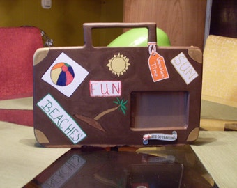 Suitcase picture frame