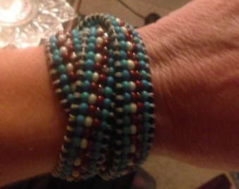 Leather beaded button wrap