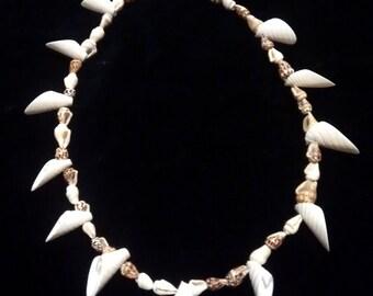 16 inch natural shell neckace.
