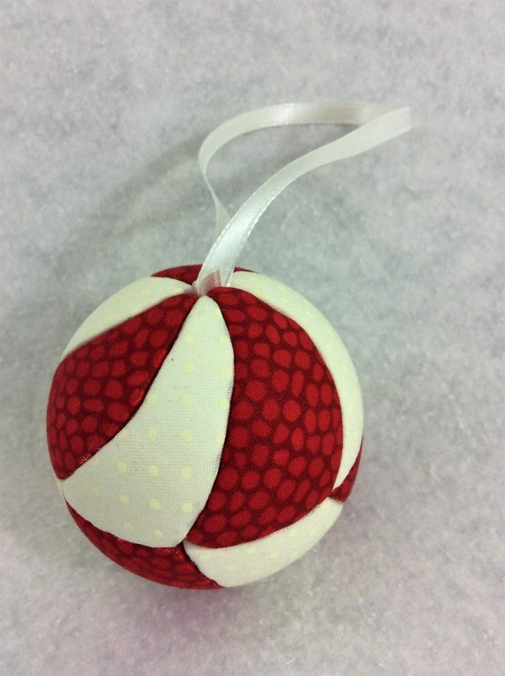 128 Candy  Swirl - Red and White Christmas ornament from a quilt pattern