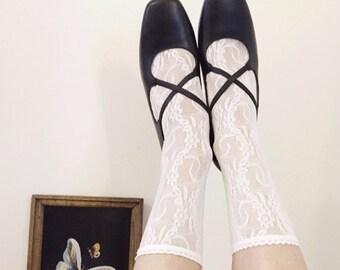 Vintage Aravon Elastic Criss Cross Black Heels