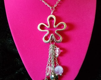 Retro 1990's Hippie Chic Flower and Charm Long Adjustable Necklace! Silver Metal Chain with Open Flower Pendant and Purple Accent Charms