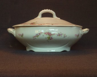 Vintage Carlsbad China Covered Vegetable Bowl