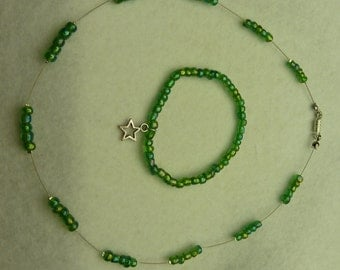 Set-necklace and bracelet in green