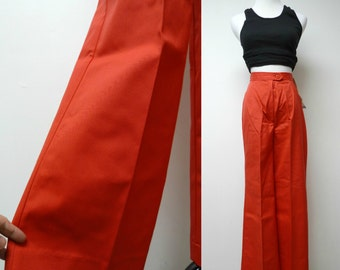NEW with TAG . Koret of California . high waist . wide bottom . red pants . size 8 short