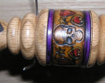 """Viking Santa Russian Lace Spindle with Leather Band .13 1/2"""" (EDS0864)"""
