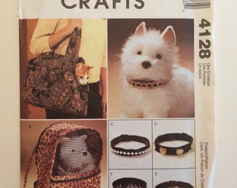 Sew Pet Accessory - Carriers and Collars for cats and dogs - Pattern McCall's 4128
