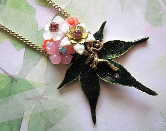 Glittering Leaf Fairy Necklace Fae Faerie Nature Maple Green Love Flowers Nature Beauty Chic Jewelry Statement Legend Fantasy Gold