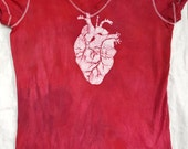 L fitted women's batik Anatomical Heart vee neck tee, large