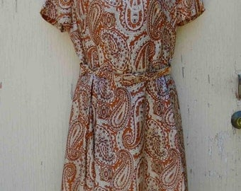 Vintage Early Sixties Light Brown Repeating Paisley Print Short Sleeved Day Dress by Mancini with Head Scarf / Vintage Size 14