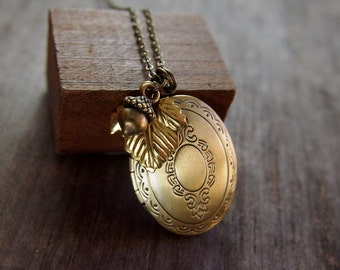Woodland locket necklace // brass keepsake locket // lovely detail with tiny acorn and leaf // perfect fall wedding gift// N136