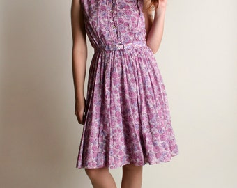 Vintage 1960s Dress - Floral Print Lavender and White Cotton Day Dress - Medium