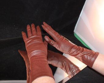 One (1) Pair of Vintage Reddish Brown Nylon Ladies' Gloves
