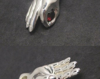 Hand pendant - Sterling silver with a 6mm Garnet