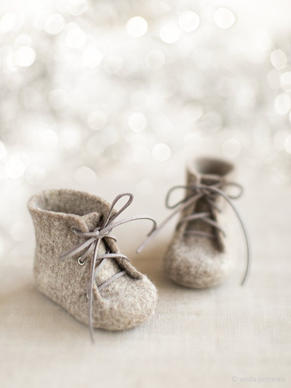 Newborn booties Natural organic wool boots Felted unisex eco friendly greyish brown shoes Pregnancy reveal Baby's first Christmas gift