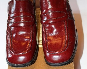 Vintage Cole-Hahn Men's Oxblood Red Loafers, Only Worn Once,
