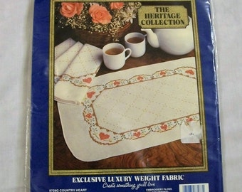 Vogart Craft Kit, Stamped for Embroidery, Vogart Crafts, 4 Placemats to Embroidery, Made in the USA