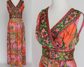 60's / 70's  Floral Boho Maxi Dress / Empire Waist / Sleeveless / XSmall to Small / Paisley Floral