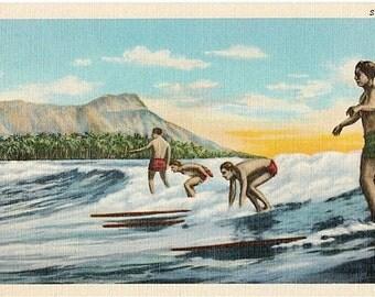 Vintage Hawaii Postcard - Surfing (Unused)