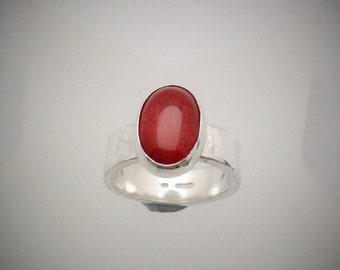 Sterling Silver Ring Set with Carnelian Size N