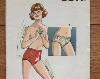 vintage 70s kwik sew pattern 723 girls PANTIES sz 8-10- uncut