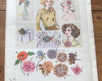 vintage kwik sew pattern 878 FABIC FLOWERS uncut 8 flowers and a butterfly