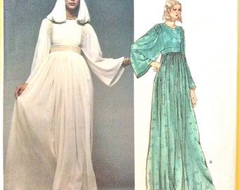 Uncut Vogue Paris Original 1553 1970s Christian Dior  Misses' Dress High-fitted, evening gown dress hooded Vintage Sewing Pattern Bust 32.5