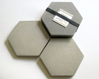 4 CONCRETE Gray HEXAGON COASTERS & Soapstone Chalk, Modern Coasters—Father's Day Gift, Wedding, Housewarming—Dessous-de-verre/Posavasos Gris