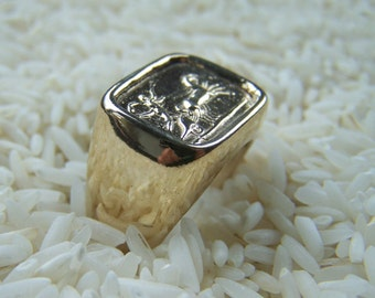 Steling Silver Mans Ring With A Chariot Museum Jewelry
