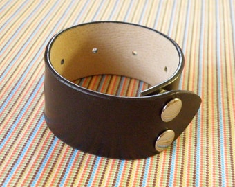 Leather Cuff Bracelet, Brown with Gunmetal Snaps FREE SHIPPING (G2P1106)