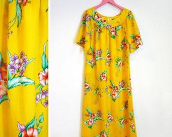 Vintage 1970s Tropical Floral Yellow Polyester Mu Mu / Caftan / Maxi Dress Size M by Island Fashions
